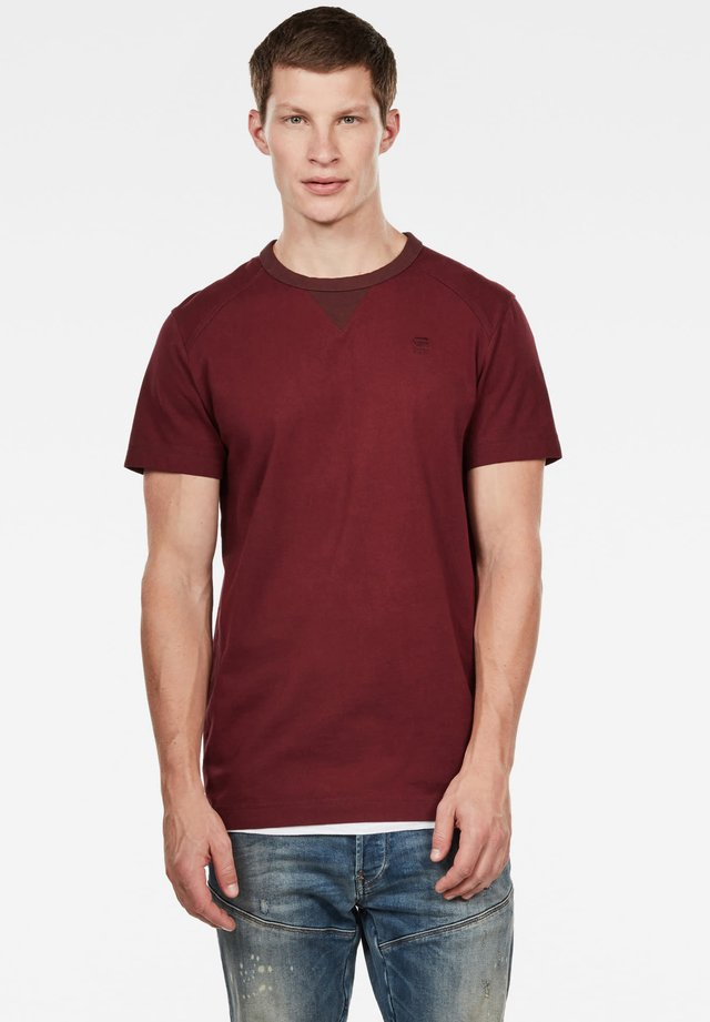 VACOUL ROUND NECK - T-shirt basic - port red