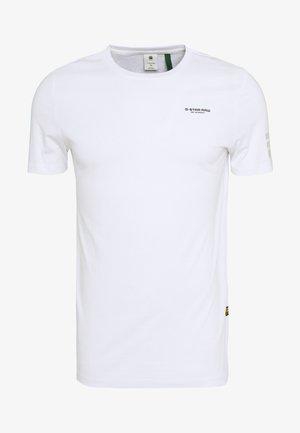 FLAG TEXT GR SLIM  - T-shirt imprimé - white