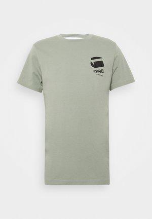 BIG LOGO BACK  - T-shirt print - lt orphus