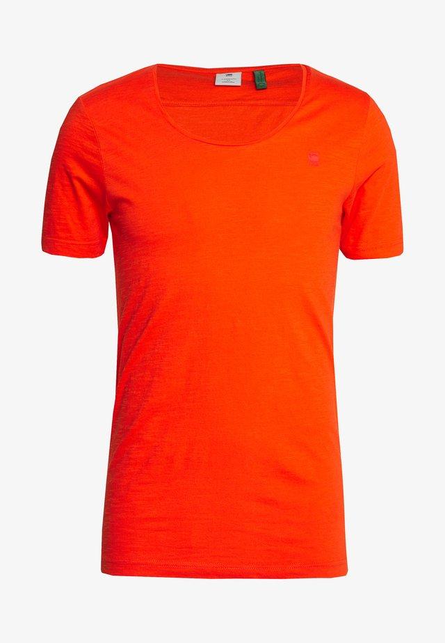ALKYNE SLIM  - Camiseta básica - bright acid