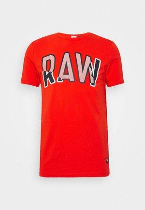 MULTI LAYER RAW GR SLIM R T S\S - Print T-shirt - bright acid