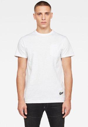 CONTRAST POCKET - T-shirt basic - white