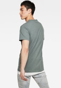 G-Star - CONTRAST POCKET - Print T-shirt - grey moss - 2