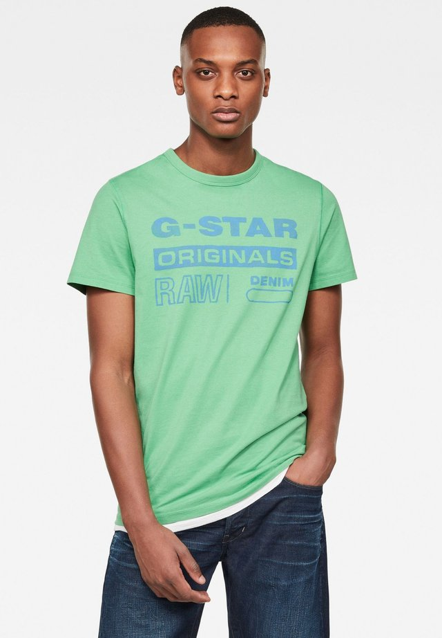 ORIGINALS WATER  - T-shirt print - lt leaf