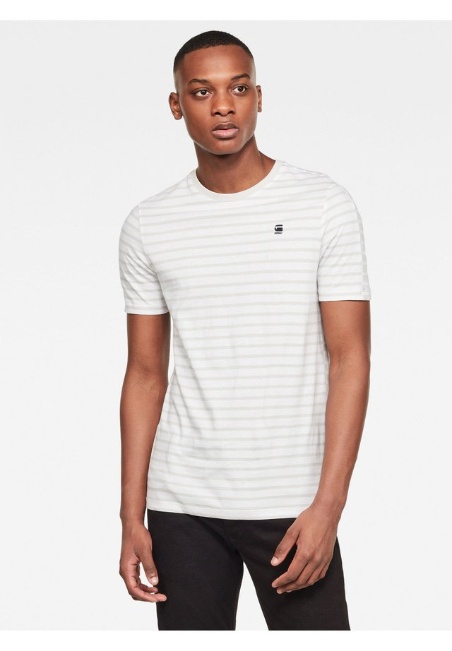 KORPAZ STRIPE GR SLIM - T-shirt print - white/cool grey stripe