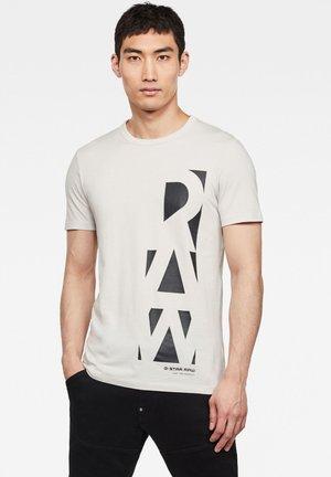 VERTICAL RAW GR SLIM - T-shirt print - cool grey