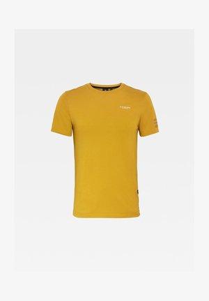 TEXT GR SLIM - T-shirt print - green sulphur