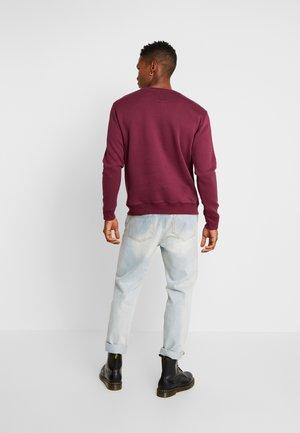 PREMIUM BASIC  - Sweatshirt - port red