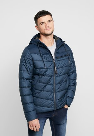 ATTACC QUILTED JACKET - Chaqueta de entretiempo - legion blue
