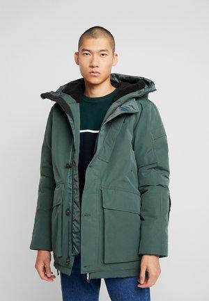 SHORT - Winter coat - balsam