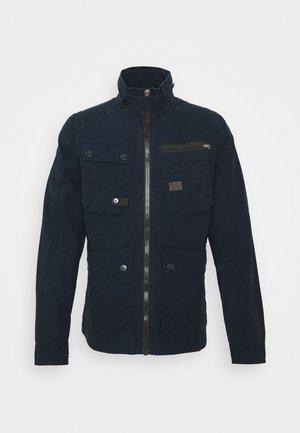 UTILITY WASHED FIELD - Summer jacket - mazarine blue