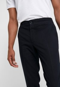 GTA - DAVIDE  - Pantaloni - navy - 3