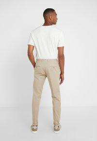 GTA - Spodnie materiałowe - beige - 2