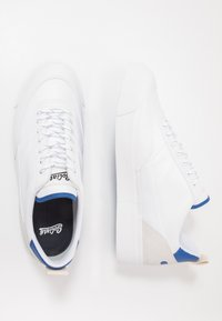 Goliath - NUMBER THREE - Sneakersy niskie - white/electric blue - 1