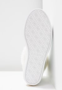 Guess - Sneakers hoog - white - 6