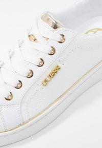 Guess - BECKIE - Sneakers laag - white - 2