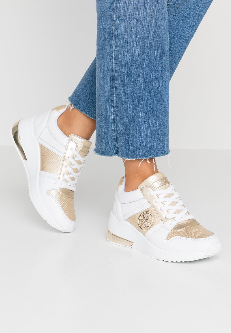 Guess - JOYD - Sneakers laag - gold/white