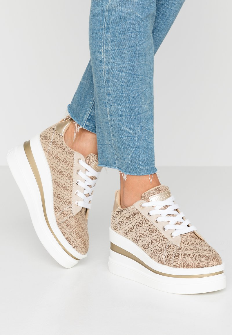 Guess - KEENIE - Sneaker low - beige/light brown