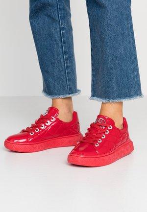 BECKS - Sneaker low - red