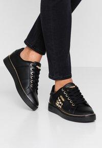 Guess - BRANDIA - Sneakers - black - 0
