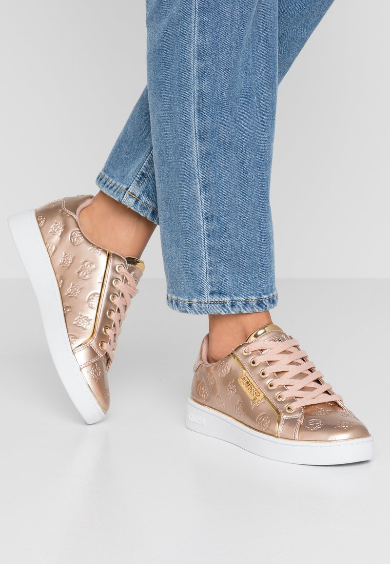Guess - BANQ - Sneakers - beige