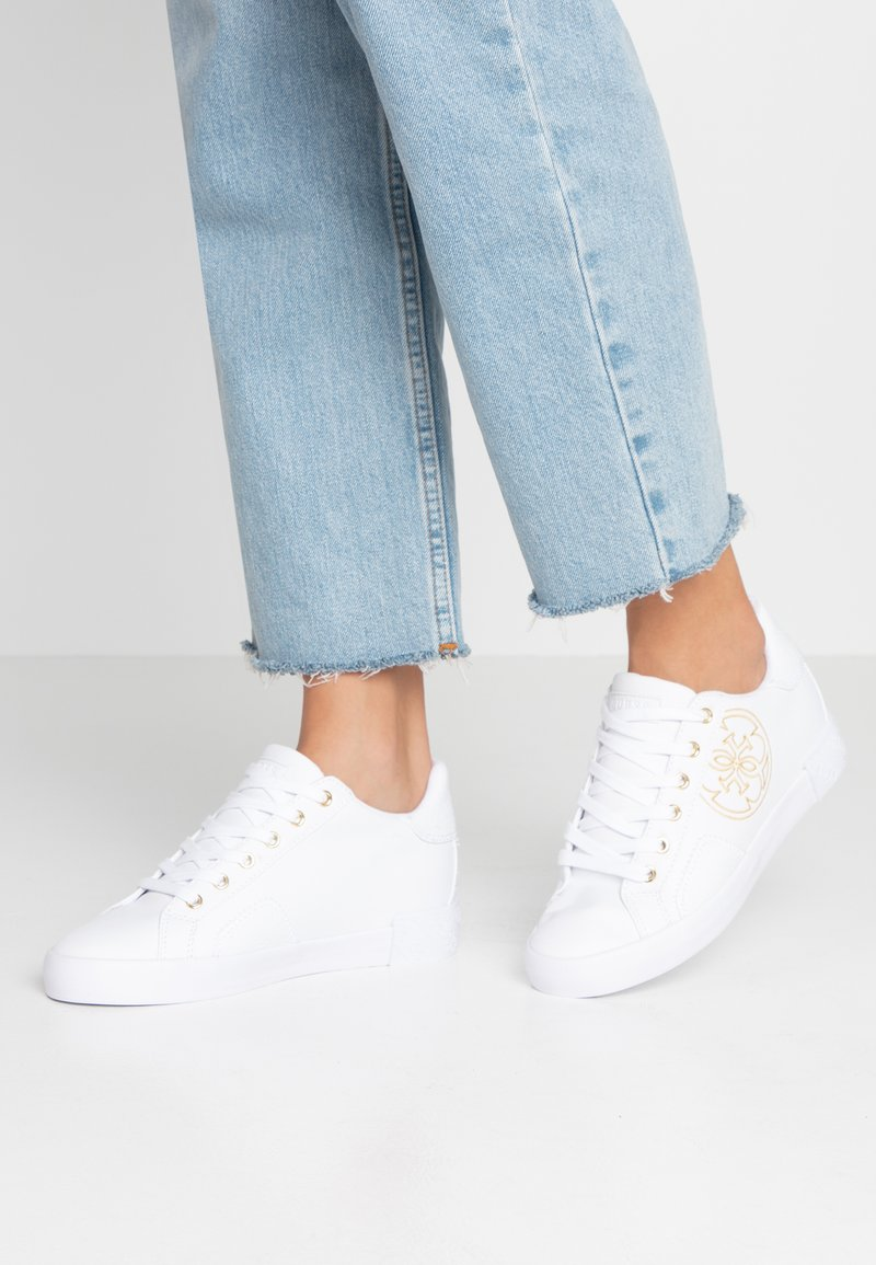 Guess - PICA - Sneakers basse - white