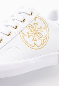 Guess - PICA - Tenisky - white - 2