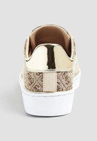 Guess - Sneakers basse - brown - 3