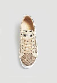 Guess - Sneakers basse - brown - 1