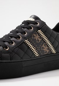 Guess - MAYBY - Sneakers laag - black - 2