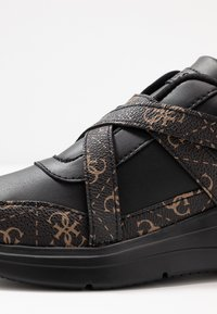 Guess - STAYCEE - Trainers - black/brass - 2