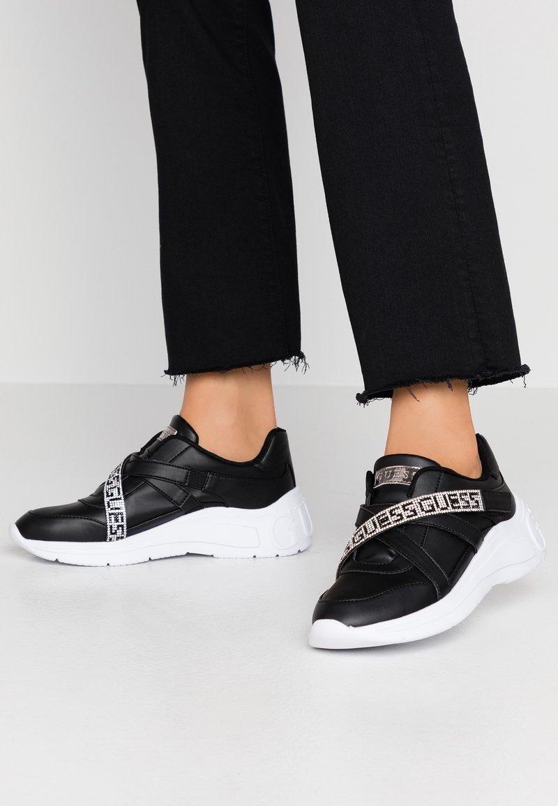 Guess - STONEY - Zapatillas - black