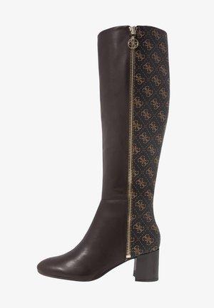 ADDALIZ - Vysoká obuv - brown