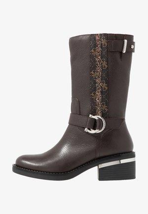 FINNIE - Cowboystøvler - brown