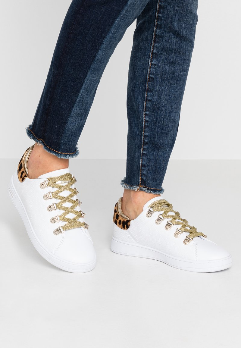 Guess - CHARLEZ - Sneakers laag - white