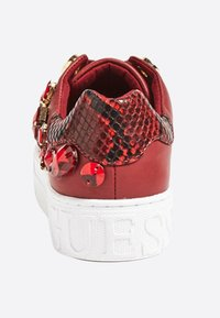Guess - MARXIN - Sneakers laag - bordeaux - 3