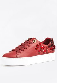 Guess - MARXIN - Sneakers laag - bordeaux - 2