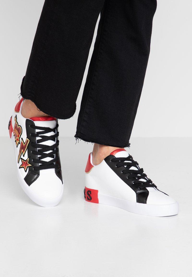 Guess - PATH - Sneaker low - white