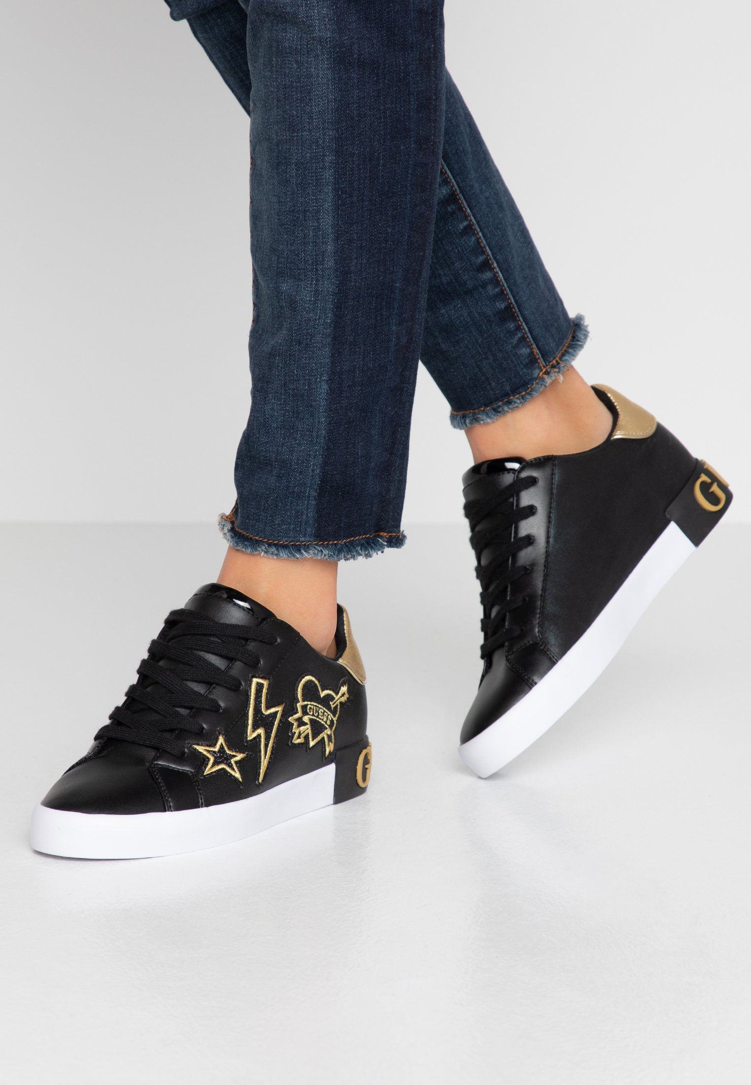 Black PathSneakers PathSneakers Basse Basse Guess Guess Guess Black XZuwilOPkT