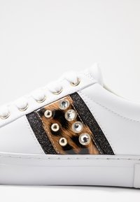 Guess - GLITZY - Sneakers laag - white - 2