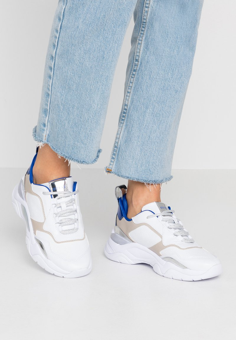 Guess - FURNER - Trainers - white