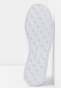 Guess - CHARLEZ SPECIAL - Sneakers basse - white - 6