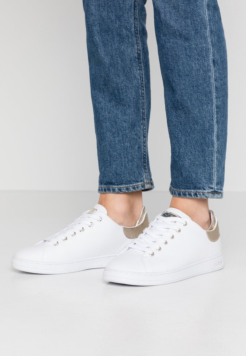 Guess - CHARLEZ SPECIAL - Sneakers basse - white