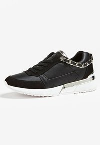 Guess - BASKET MIAN CHAINE - Sneaker low - black - 2