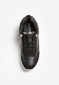 Guess - BASKET MIAN CHAINE - Sneaker low - black - 1