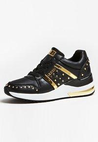 Guess - JOYDEE - Sneakersy niskie - black - 2