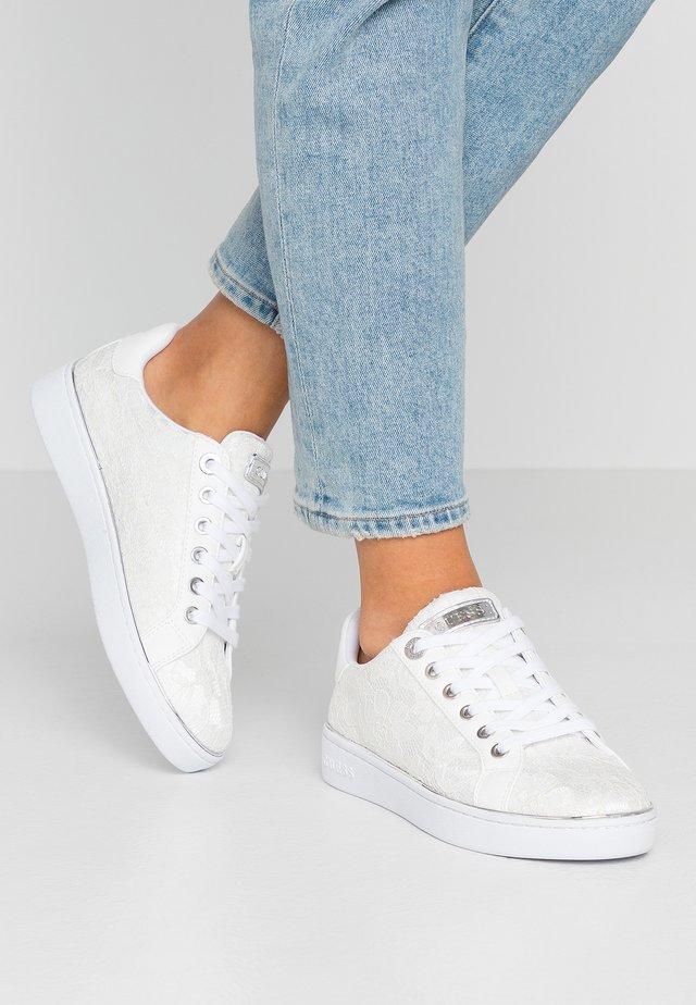 BRADLIA - Sneakers laag - white