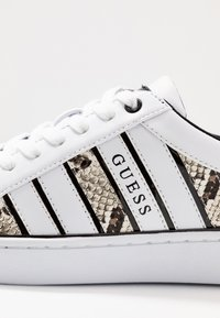 Guess - BOLIER - Sneakersy niskie - white - 2
