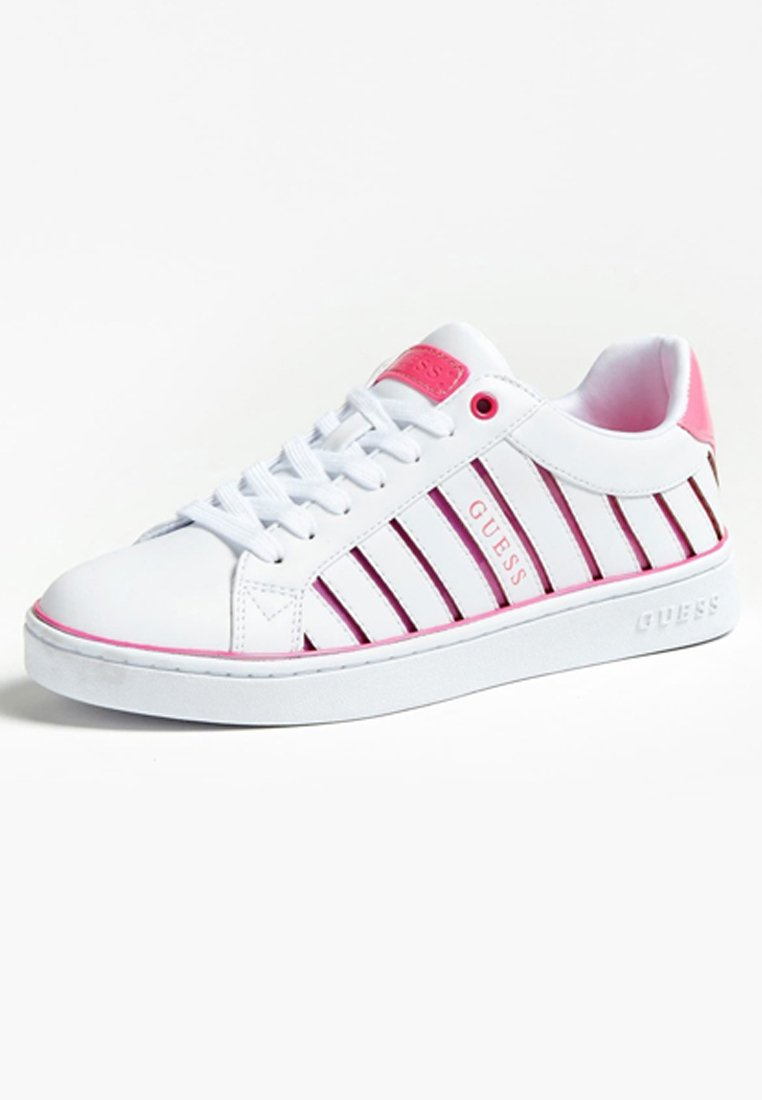 Guess BOLIER - Sneakersy niskie - light pink