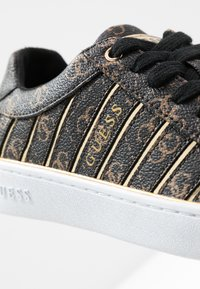 Guess - BOLIER - Sneakers laag - brown/gold - 2